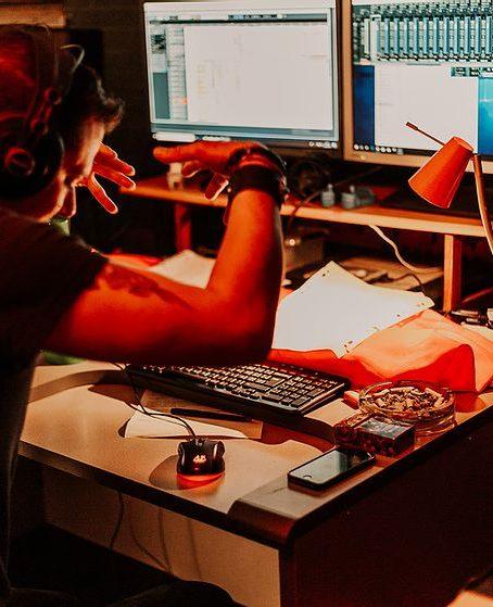 Le groupe CALA en studio